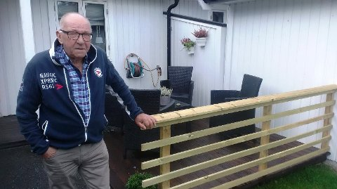 Handyman: Bjørn Wroldsen er en nevenyttig mann som har snekret uteanleggene på boligen sin i Tømmerholtet på Asmaløy.