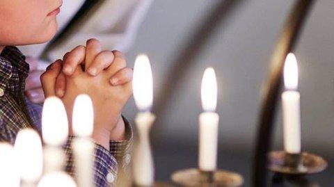 En stille stund. Et kvarter hver onsdag morgen inviterer Kirkens Hus i Nygaardsgaten til morgenbønn.