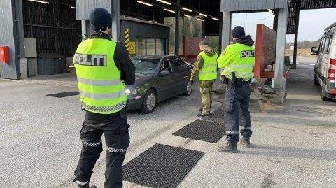 RETT I KARANTENE: Over hundre personer må i karantene etter påskehandel i Sverigeonsdag. Foto: Politiet