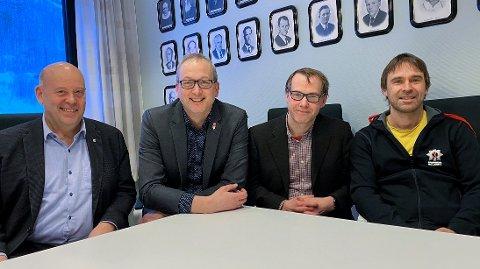 Fra venstre: Varaordfører Svein Nilsen (SP), ordfører Terje Bartholsen (AP), rådmannskandidat Bjørn Tore Sørensen og Jan Inge Yttervik (Evenes tverrpolitiske liste). Foto: Evenes kommune