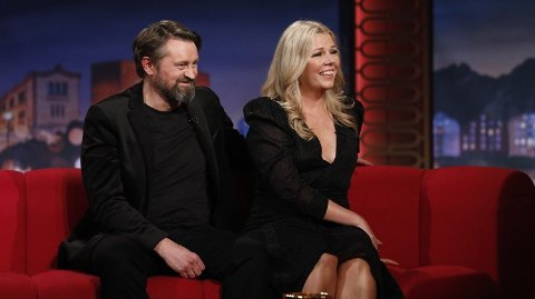 TILBAKE: Thomas Numme er tilbake på TV-skjermen sammen med ingen ringere enn sin egen kone. Foto: Helene Kjærgaard Kleiveland / TV 2