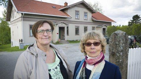 MISFORNØYD: Magnhild Softe Haugen (til venstre) og Torill Spilhaug Eide mener Kvinnemuseet er tannløst og uinteressant.