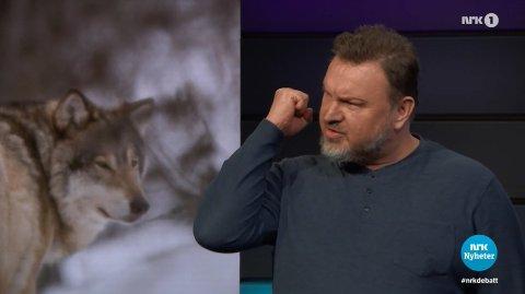 DEBATTEN: Tirsdagens debatt foregikk mye roligere, uten av Sveen er særlig imponert over sine motdebattanter. Skjermdump: NRK Debatten