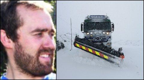 Brøytebilsjåfør Torstein Nordal fra Lom leter etter snøfaste franskemenn på Sognefjellet.