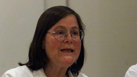 Professor og tidligere smittevernoverlege ved Ullevål sykehus, Bjørg Marit Andersen, er hjemme i Lom.