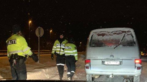 Lørdag kveld: Promillekontroll ved Lygna, uten reaksjoner fra politiets side.