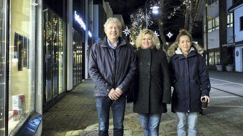 GIR KOMMUNEN RÅD OM BYUTVIKLING: Frå venstre: Gunvald Aadland, Inger Karin Damm og Vibecke Nes Vigre.  Foto:  Jogeir Bigset