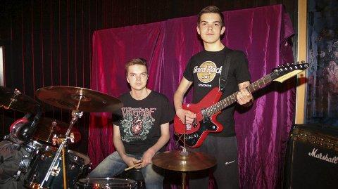 Brødreduo: Marcus Persen Esperås (16) og Sander Persen Esperås (14) i bandet «Not my time to die» har spilt sammen i to år.