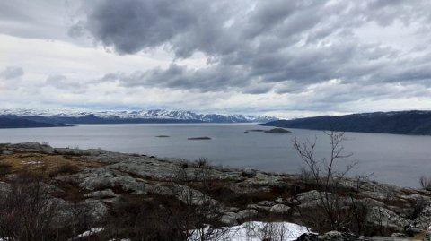 OPPHOLD, MEN SKYET: Bilde tatt fra Komsatoppen i Alta. Foto: Anita Bakk Henriksen
