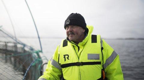 I RETTE MILJØ: Forretningsutvikler Thor Hukkelås i Kongsberg Maritime har tro på at oppdrettslaksen har det aller best ut på storhavet