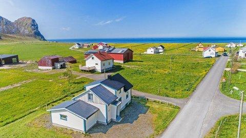 Solgt: Eneboligen på Unstad ble solgt for 700.000 kroner over takst.