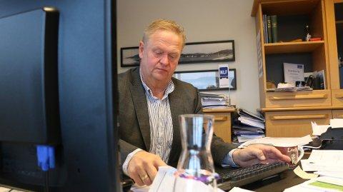 LYTTER: Olje- og energiministeren synes å lytte til vindkraftopprøret lyngdalsordfører Jan Kristensen (H) startet.