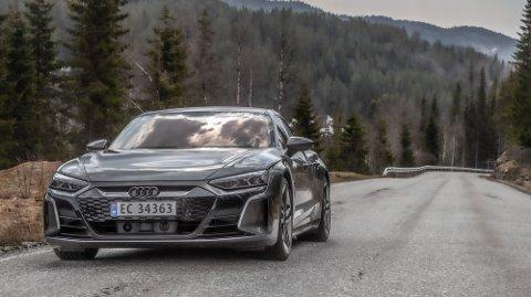 BEST I TEST: Audi e-Tron GT kommer lengst etter 25 minutter lading.