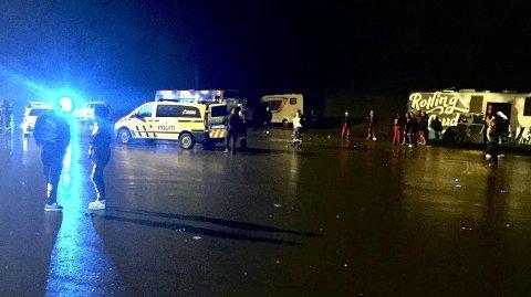 Flere politibiler var på stedet etter at flere russ skal ha barket sammen på Skullerud i helgen.Foto: Håkon Kristian Stavrum