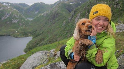 GRATISPASSASJER: Hunden Kira skal naturligvis bli med på reisen. Foto: Privat