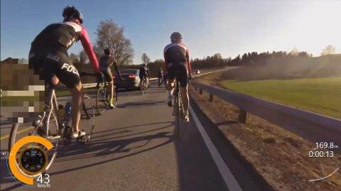 Bare tapere: usmart adferd i trafikken, uansett om den skyldes bilister eller syklister, gir bare tapere om uhellet er ute. I treningsrittet i Garder holdt det på å gå skikkelig galt.