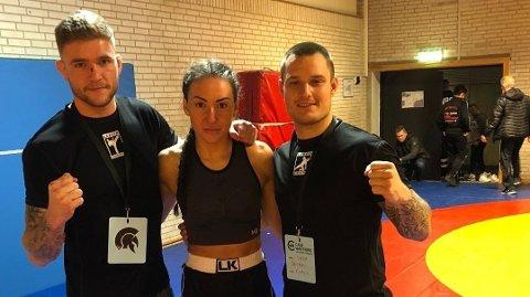 SATSER PÅ UFC: Ivana Siric (i midten) har store ambisjoner for MMA-karrieren sin. Her sammen med Quinten de Vreught (venstre) og Sasa Petrovic. F