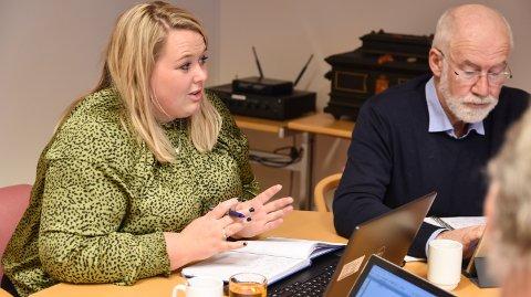 STORE BELØP: Løten-ordfører Marte Larsen Tønseth og varaordfører Christen Engeloug håndterte store investeringssaker i  formannskapet onsdag.