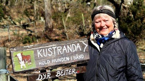 Her skal ingen være i tvil om at dette er veien til Kustranda.
