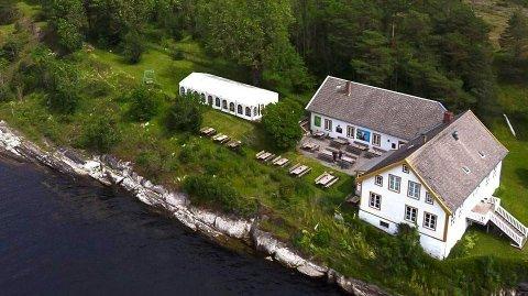 SELGES: Restaurantdriften i Langøya hovedgård er til salgs.