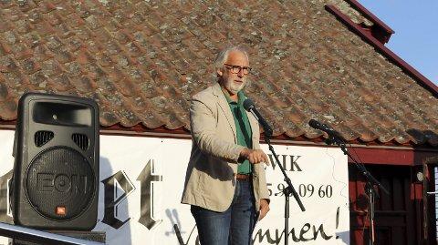 DEPONI-DEMONSTRASJON: Stortingsrepresentant Carl-Erik Grimstad fra Vestfold deltok på demonstrasjon met deponi i Brevik høsten 2019 i Brevik. – Jeg uttaler på vegne av en samlet stortingsgruppe i Venstre når jeg uttaler at Venstre står fast ved at vi ikke vil ha deponi i Dalen gruve i Brevik, sier Carl-Erik Grimstad til PD.