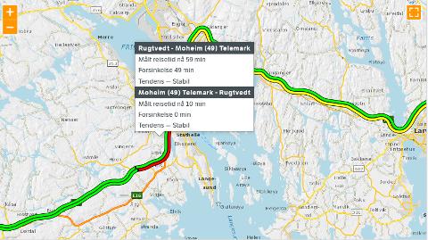 STILLESTÅENDE: Trafikken på E18 mellom Rugtvedt og Moheim går unna i sneglefart søndag ettermiddag.