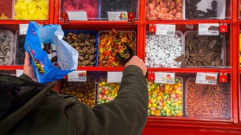 BILLIG: Hver lørdag får du smågodt for 10,90 kroner per hekto på Europris.