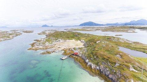 Nå har det gått et år, og ennå er ikke nordlandshuset fra ca. 1932 med egen øy solgt.