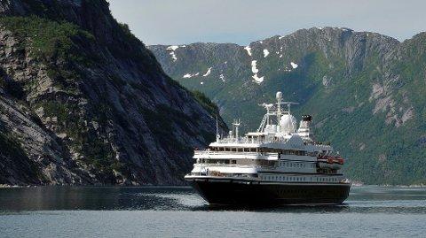 Her er SeaDream 1 på besøk i Rødøy tidligere i sommer.