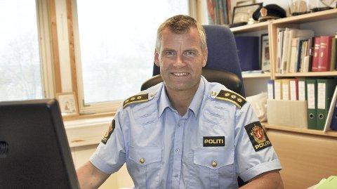Narkotika: Lensmann Terje Krogstad har for lengst gjort seg til en tydelig talsmann for en aktiv satsing på narkotikaforebygging fra politiet. Når Stortinget nå vil avkriminalisere bruk og besittelse til eget bruk, vil han avvente den endelige lovteksten.