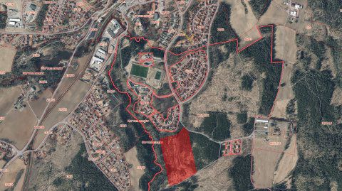 TOMT: Denne tomten på Dal i Eidsvoll er en av totalt sju tomter som kommunene på Romerike ønsker et nytt fengsel velkommen.