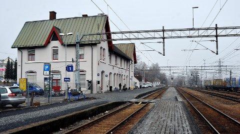 Ikke én eneste kroner er satt av til å bygge jernbane etter Moss. Det får Sarpsborgs SVer på Stortinget til å reagere.