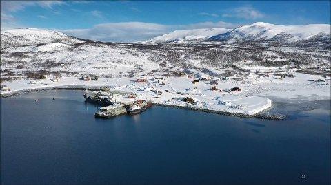 DISTRIKTSARBEIDSPLASSER: Dåfjord Ringvassøya i Tromsø kommune. Her bygger Norway Royal Salmon nytt settefiskanlegg som skal være arbeidsplassen for 20 mennesker.