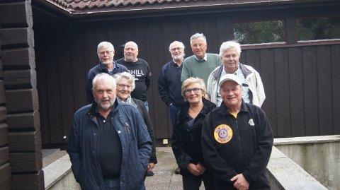 NYTT STYRE: President Kai Robert Johansen (t.h.) og visepresident Kai Magnussen (t.v.) . Det øvrige styret er Aage Syvertsen, Hedvik Sørli, Åse Kristiansen, Svein Eriksen, Ingar Antonsen (ikke til stede) og Kåre Hansen Råkil.