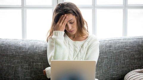FIRE GRUNNER: En forsker fra Stanford University viser til fire grunner man kan føle seg mer utslitt av de digitale løsningene på skole og jobb.