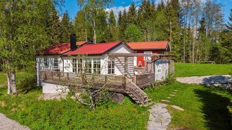 HØY PRIS: Hytteprisene har økt mye det siste året. Denne hytta ved Lyseren ligger ute med en prisantydning på nesten tre millioner.