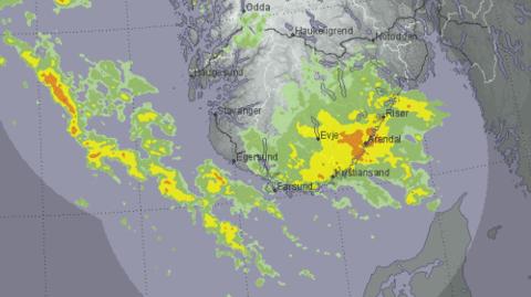 Slik ser nedbørskartet for sørvest-Norge ut fredag morgen.