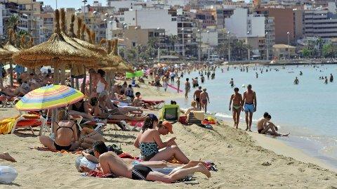 PANIKK: Hotelleierne i Mallorca har fått panikk etter elendige bookingtall før sommerferien. Foto: (Afp / NTB Scanpix)