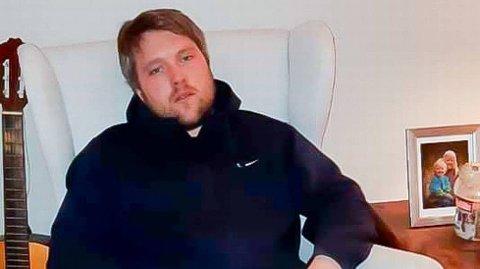 KLARER VELDIG LITE: Kroppen til Jonas Sagmo Lund er helt utslitt etter å ha slitt med oksygenopptak og høy feber i mange dager etter å ha blitt smittet av koronaviruset. Foto:Privat