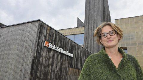 INGEN DRIVE-IN: Daglig leder Hilde Hem ved Bok & Blueshuset flytter ikke kinoen ut.