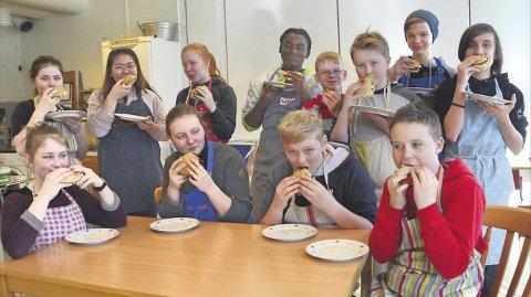 Her er gjengen fra Tingvoll som skal delta i NM-finalen.