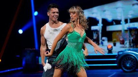 Andreas Wahl og Mai Mentzoni på danseparketten. De har danset hver eneste dag siden premieren i september.