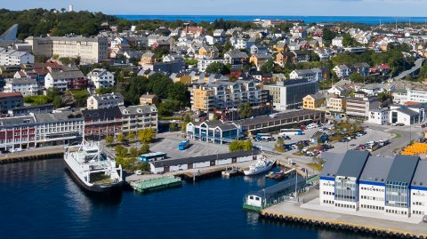 Beboere langs Fosnagata i Kristiansund plages av bråk fra kjøring med motorsykler, mopeder og biler på kveld og natt.