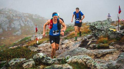 Den sterke ultraløperen Anders Kjærevik er blant deltakerne i Torvikbukt 6 topper i helga.