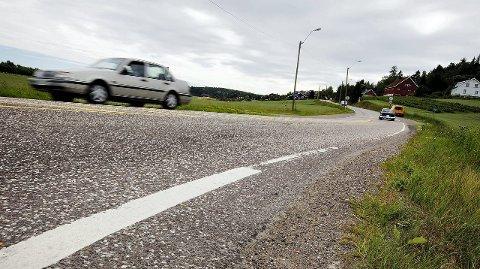 Viktig: Hogsnesbakken er ingen god moderne bilvei, men ble avgjørende for utviklingen på Vear. Foto: Peder Gjersøe