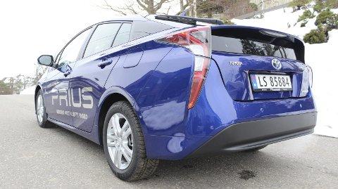 Ekstrem: Toyota Prius har en særpreget bakstuss med vertikale lykter.