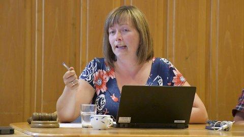 KIrsten Helen Myren: Vil følge opp kommunens vellykkede fibersatsing med å ta av kommunens oppsparte midler, og fikk hele kommunetyret med seg.