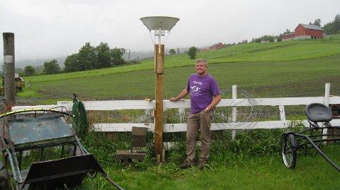 Leif Solemsli er observatør ved nedbørstasjonen i Vang i dag.