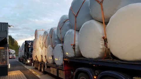 Statens vegvesen ble glade over å se forseggjort lastsikring under kontrollen på Kalplassen onsdag kveld.