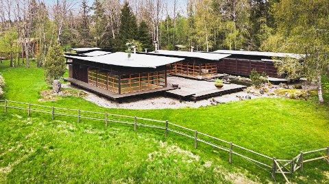 JAPANSK-INSPIRERT: Håkon Mjelva tegnet og bygde boligen i 1969.
